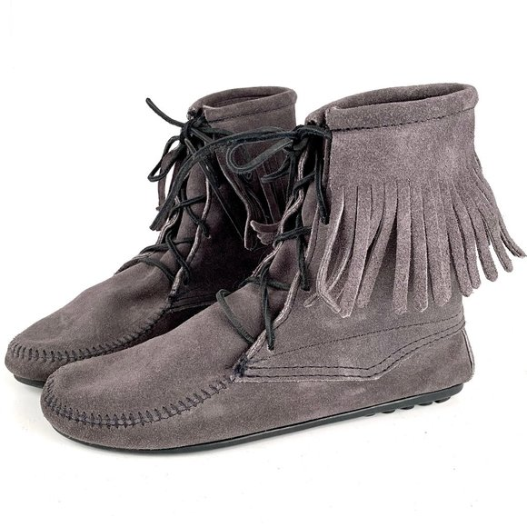 Minnetonka Shoes 8 Minnetonka Moccasins Tramper Ankle Hi Boots Poshmark